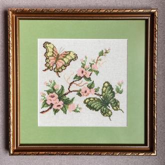"""Картина - """"Весенние бабочки в сакуре"""""""