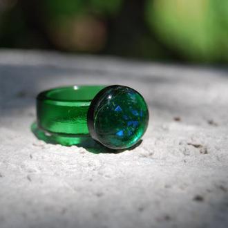 """Кольцо из стекла """"Изумруд"""", фьюзинг."""
