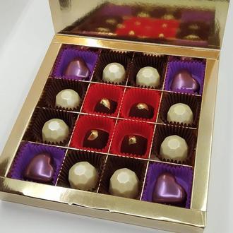 "Набор корпусных шоколадных конфет ""Mirror shine"""