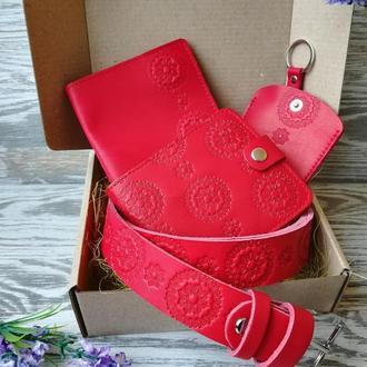 Подарочный набор из натуральной кожи  красные цветы
