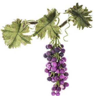 Гроздь винограда из валяной шерсти