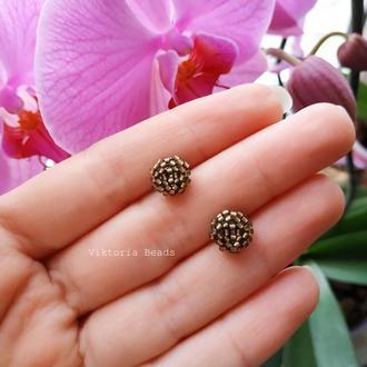 Бронзовые сережки гвоздики из бисера, пуссеты, мини серьги