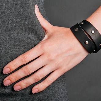 Черный кожаный браслет с металлическими стальными вставками код 8091