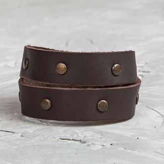Коричневый кожаный браслет с металлическими бронзовыми вставками код 8091