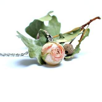 Кулон шар с кремовой розой