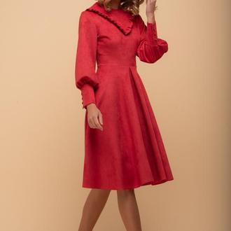 10251 Платье с объемным рукавом и рюшей красное