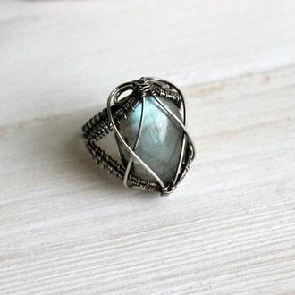 Серебряное кольцо с лабрадоитом wire wrap
