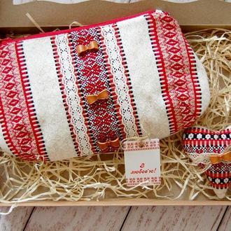 """Подарочный набор """"Косметичка + сердечко-подвеска"""" в этническом стиле"""
