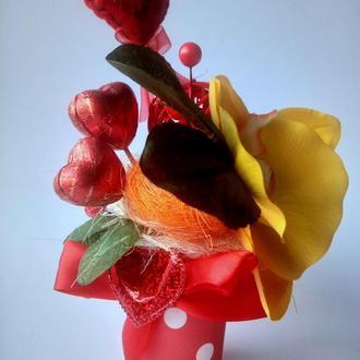 композицiя з цукерками та квiтами