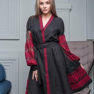 Платье с вышивкой на сетке