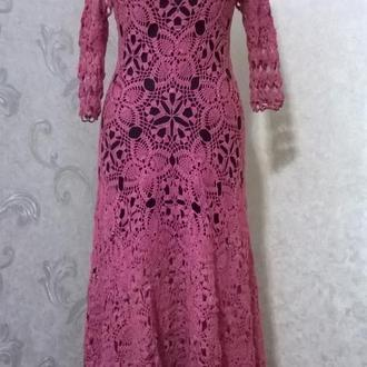 Ажкрное вязанное платье