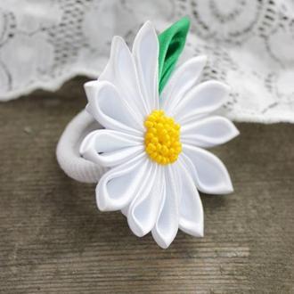 Белая резинка для волос с цветком, Канзаши ромашка