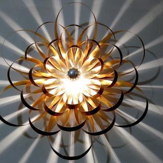 Эксклюзивный дизайнерский настенный светильник Георгина, дерево+поталь