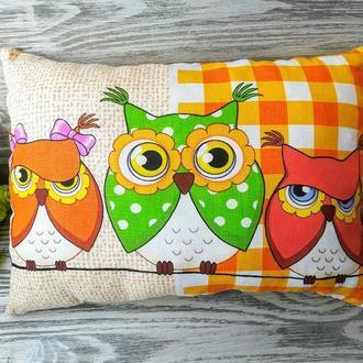 Подушка 2 совы коричневые и 1зеленая сова , 40 см * 29 см