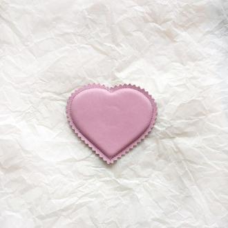 Валентинка магнит сердце, розовое сердечко, объемная мягкая валентинка, пудровое сердце из кожи