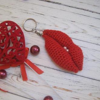 Брелок-брошка Сердце красное Поцелуйчик, Цьом