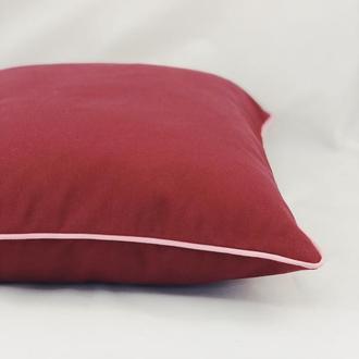 Диванная подушка. Однотонная, цветная, красная подушка. Подушка с розовым бортом. Подушка с замком.