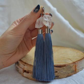 Серо-голубые серьги - кисти с необработанным горным хрусталем ′Айсберг′