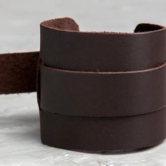 Коричневый широкий кожаный браслет с тонкой полосой код 6525