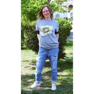 """Женская серая футболка с коротким рукавом """" Я счастлив!!!"""""""