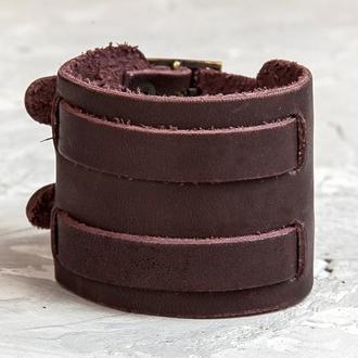 Коричневый широкий стильный кожаный браслет с двумя узкими полосами код 6400