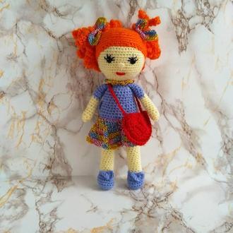 Лялька з сумочкою.