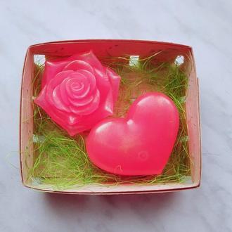 Набір мила троянда та серце в корзині