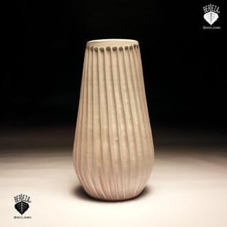 Керамическая ваза , высота 60 см.