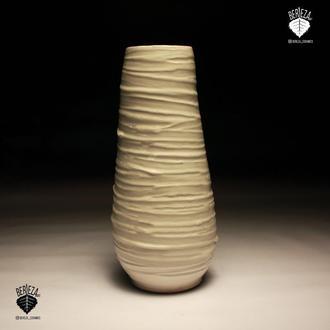 Напольная ваза высота 1 метр.