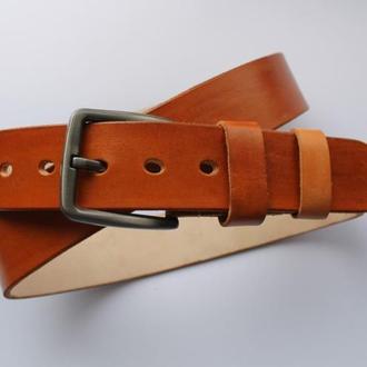 Мужской кожаный ремень цвет коньяк