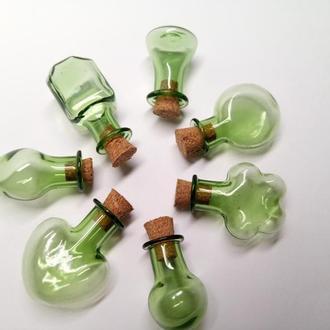 Декоративные фигурные бутылочки для разного вида творчества.