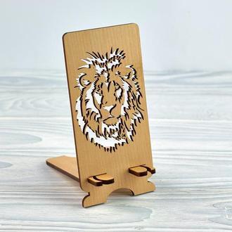 """Подставка под мобильный телефон из натурального дерева  """"Лев"""""""
