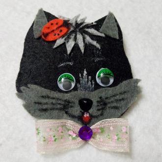 Детская брошь Черный котик
