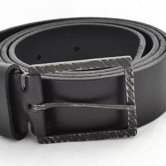 Чёрный мужской итальянский ремень под джинсы с кованной пряжкой. Подарок мужчине.