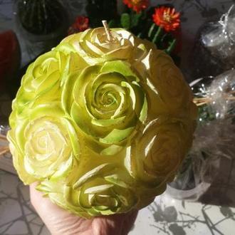 Свеча большая зеленые розы 15см