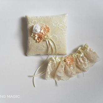 Набор подушечка для колец и подвязка, цвет айвори