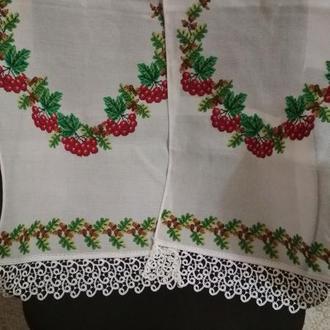 Вышитый свадебный рушник под каравай