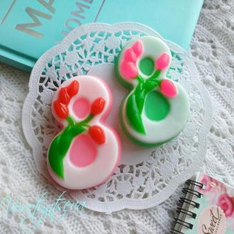 Мыло восьмёрка в тюльпанах