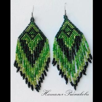 Блестящие зеленые серьги  из бисера Лучший подарок Яркие серьги Изумрудные серьги