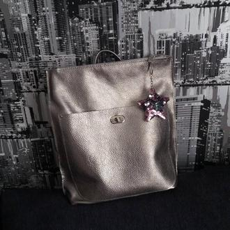Сумка-рюкзак из натуральной кожи флотар. Цвет темное серебро