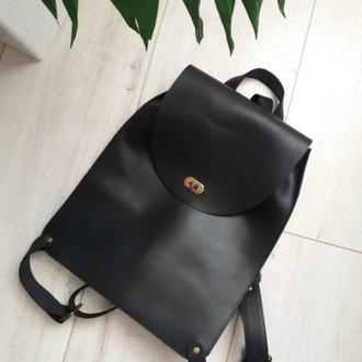 Сумка-рюкзак из натуральной кожи CrazyHorse. Цвет черный.