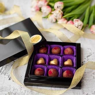 Праліне у молочному шоколаді та Полуничний трюфель