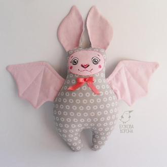 Летучая мышка серо-розовая, игрушка