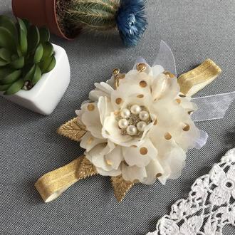 Повязочка квіточка з короною беж