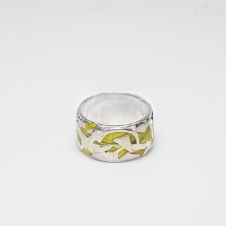 """Серебряное  кольцо с желтой эмалью """"7 пятниц"""""""