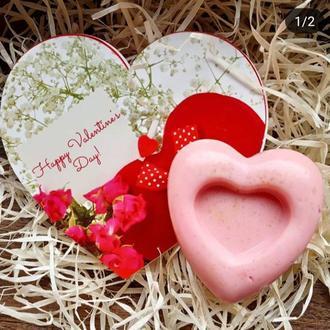 Розовое мыло с эфирным маслом розового дерева