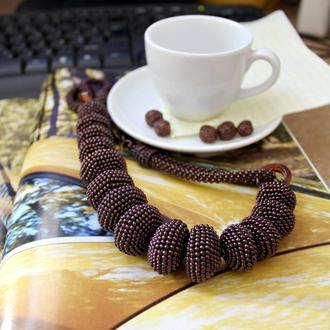 Бусы из бисера и бусин. Украшение в стиле бохо. Ожерелье цвета кофе. Подарок для женщины.