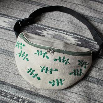 """Поясная сумка с вышивкой  """"Веточки"""""""