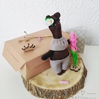 Игрушка  из шерстяного фетра  мишка Бетти