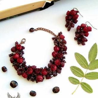 Бордовый комплект, браслет, серьги с цветами из полимерной глины с гранатами, цветочный